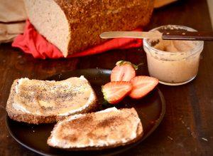 tostadas con mermelada de pera
