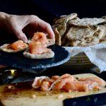 tostas de salmon