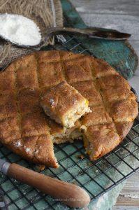 empanada de berberechos con masa de millo